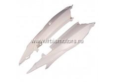 Пластик боковой задний (пара) GS200b